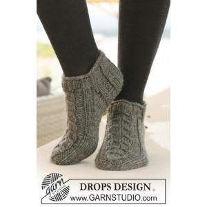 Leaf Ankle Socks by DROPS Design - Strickmuster mit Kit Socken Größen 35-43
