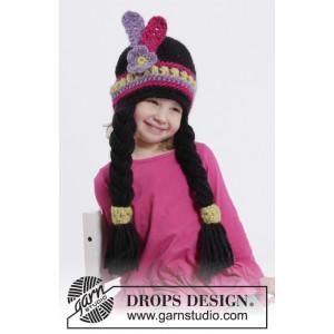 Little Alawa by DROPS Design - Häkelmuster mit Kit Indianerhut mit Zöpfen und Federn Größen 1-10 Jahre