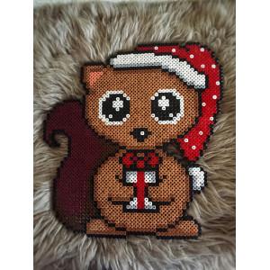 Erling Eichhörnchen Weihnachtsmuster von Rito Krea – Perlenmuster Weihnachten 27x27cm