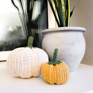 Crocheted Pumpkin by Rito Krea - Häkelmuster mit Kit Kürbis