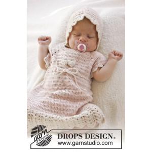 Beth by DROPS Design - Häkelmuster mit Kit Baby-Kleid Größen 0-4 Jahre