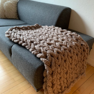 Chunky Blanket by Rito Krea - Strickmuster mit Kit Decke 130x110cm