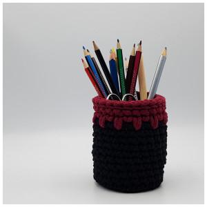 Bleistifthalter in festen Maschen gehäkelt by Rito Krea - Häkelmuster mit Kit