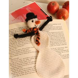Snowman Bookmark by DROPS Design - Häkelmuster mit Kit Lesezeichen Schneemann