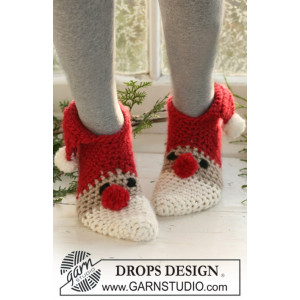 Christmas Slippers by DROPS Design - Häkelmuster mit Kit Weihnachts-Slipper Größen 22/24 - 42/44