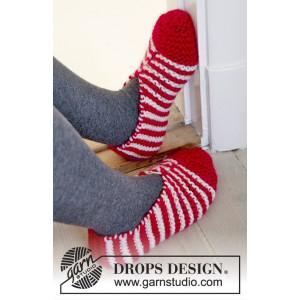 Candy Steps by DROPS Design - Strickmuster mit Kit Weihnachts-Slipper mit Streifenmuster Größen 29/31 - 44/46