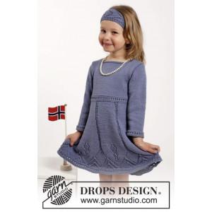 Wendy Darling by DROPS Design - Strickmuster mit Kit Kleid und Haarband mit Spitzenmuster Größen 2-10 Jahr